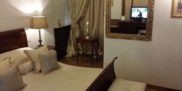 Belcanto Room